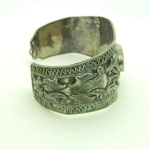 Vintage Jewelry - Blue Lapis Lazuli .925 Sterling Silver Embossed